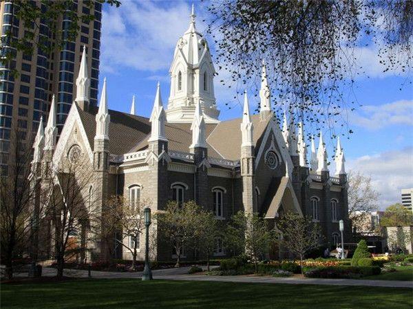 参观以坦普尔广场为中心的一系列的著名宗教建筑,如摩门教堂(建于1853图片