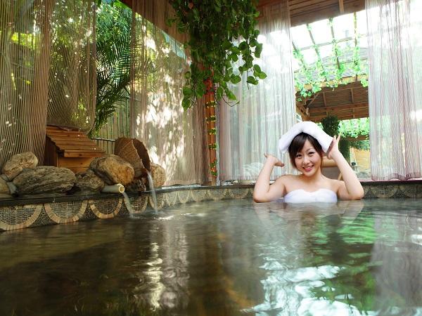 【专车专享·4人成团】<秦龙温泉纯玩一日游>感受温泉水上乐园的速度与激情