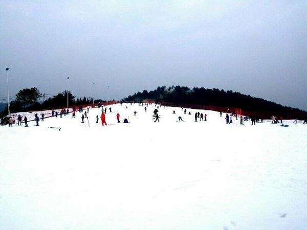 安康必捷滑雪场