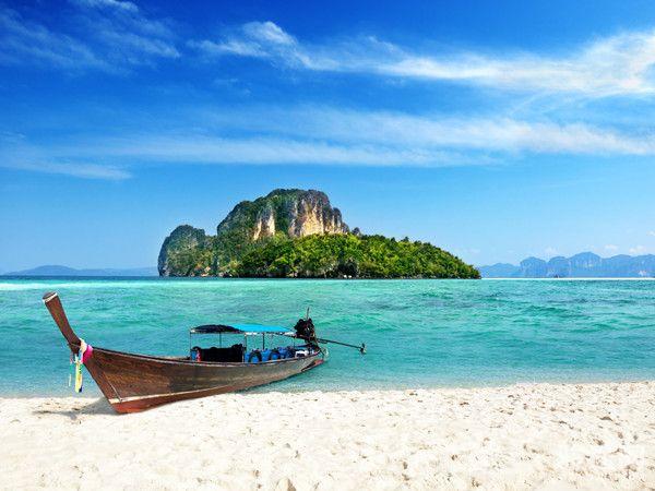 0129034-10120646-泰国珊瑚岛-白-远-无