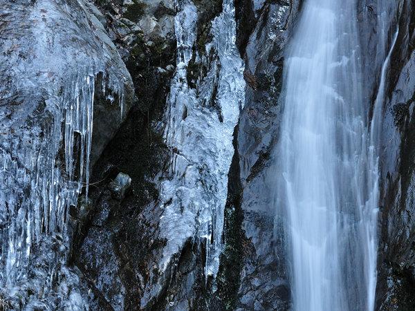 <直通车-太平国家森林公园赏冰瀑1日游>
