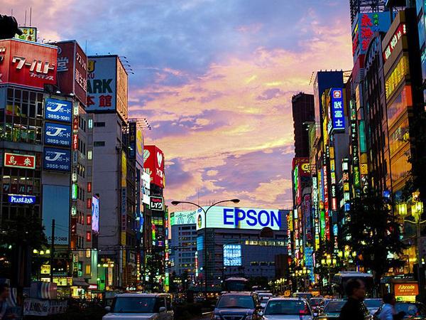 新宿繁华街-1
