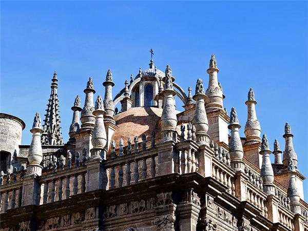 塞维利亚大教堂圣