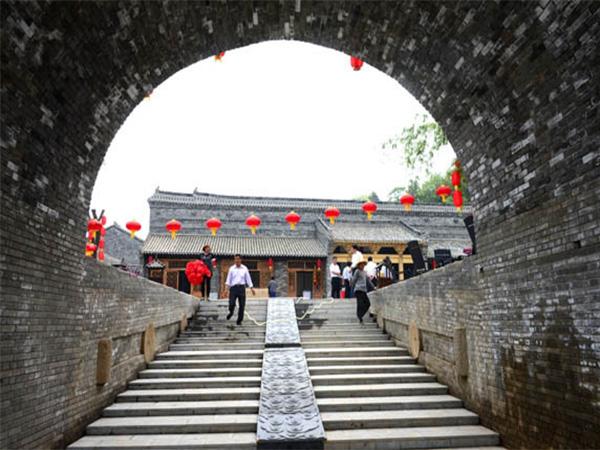 <太白山-庵岭古镇-沙河水街2日游>