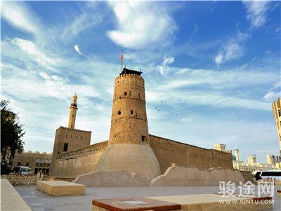 0100001-14242645-迪拜博物館-白-遠-無