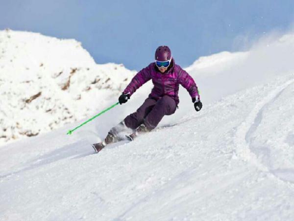 华山国际滑雪场