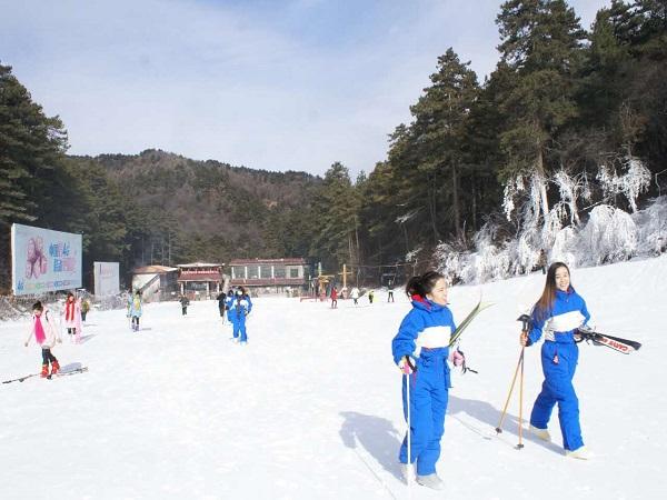 玉华宫滑雪场