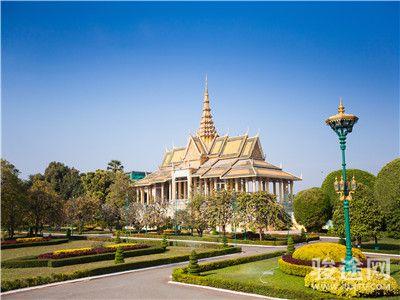0132001-26430153-柬埔寨皇宫-白-远-无