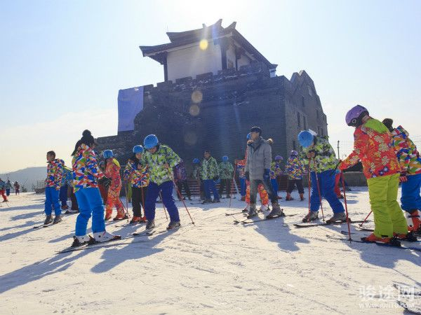 白鹿原影視城滑雪場