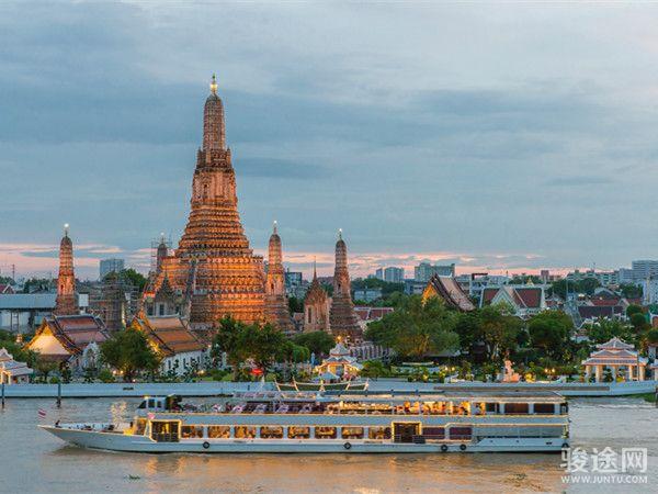 0129199-36502817-泰国黎明寺