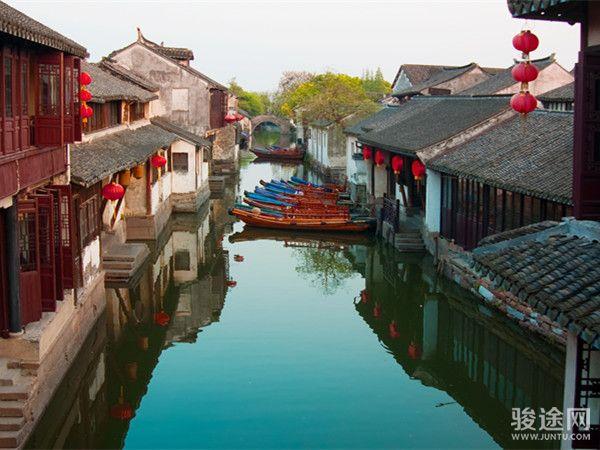 水乡之恋-华东五市+上海迪士尼+乌镇+周庄双飞6日游