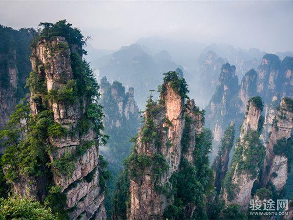 <湘见天门-长沙韶山张家界凤凰古城双飞6日游>