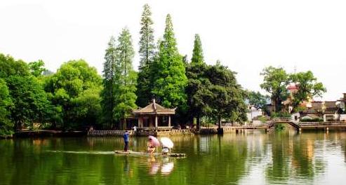 桂林芦笛岩景区
